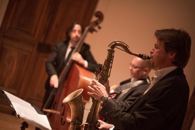 Cocktail Annemasse avec Xavier Bozetto ( guitare) et Christophe Lincontang ( contrebasse)