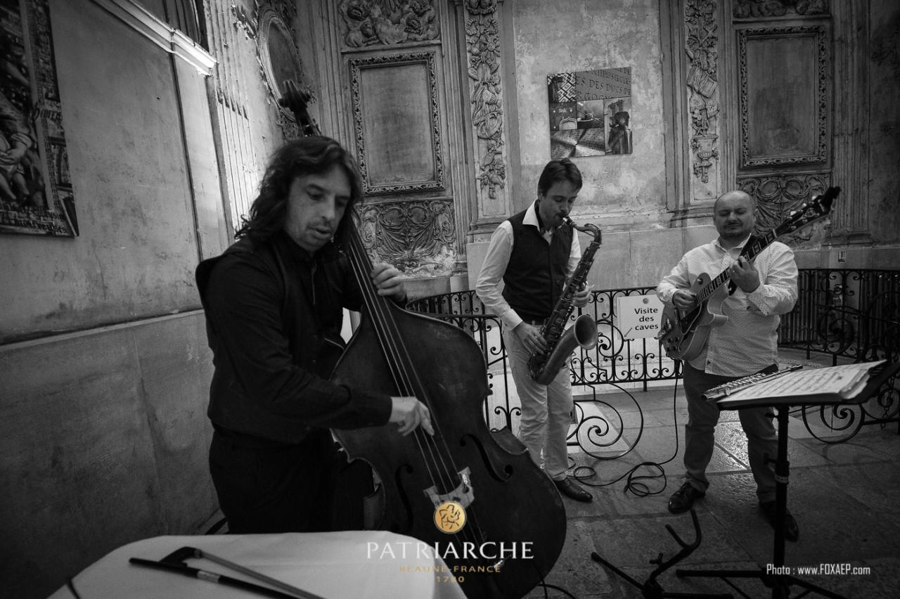 Soirée privée chez Patriarche à Beaune avec X.Bozetto (guitare) et S.Rivero (contrebasse)